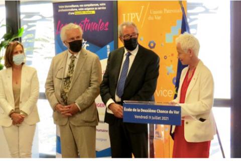 La ministre Brigitte Klinkert, à droite, a félicité le président de l'UPV Gérard Cerruti, celui de la CCI du Var, Jacques Bianchi, la présidente de la CPME Var et présidente adjointe de l'UPV, Véronique Maurel